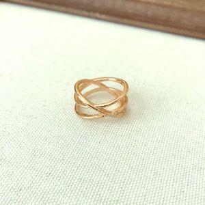 Serene ring